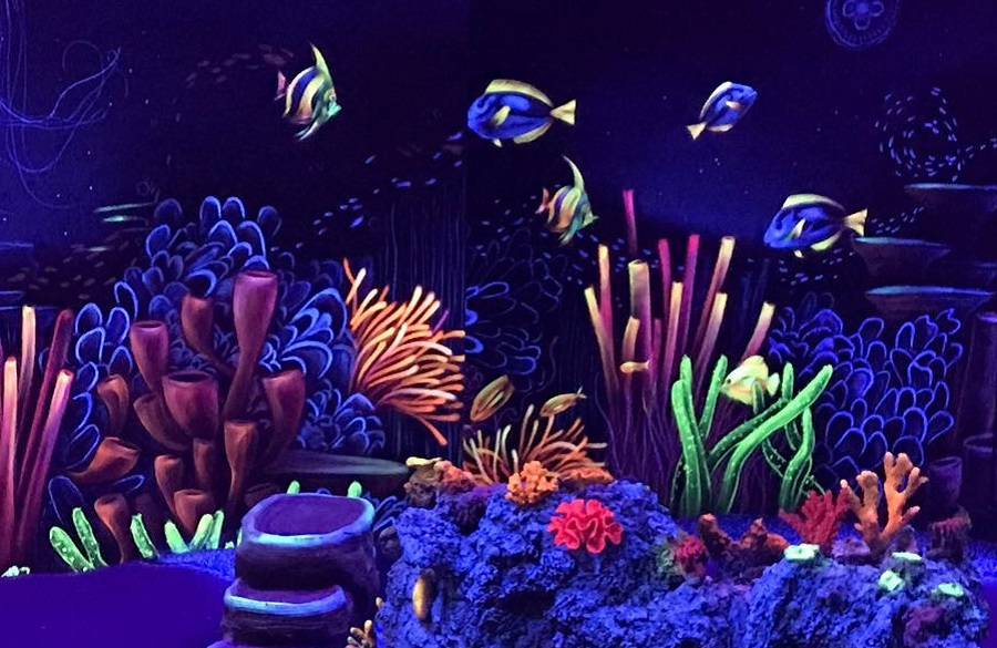 CIty-Golf_SChwarzlicht-Welt_Unterwasserwelt