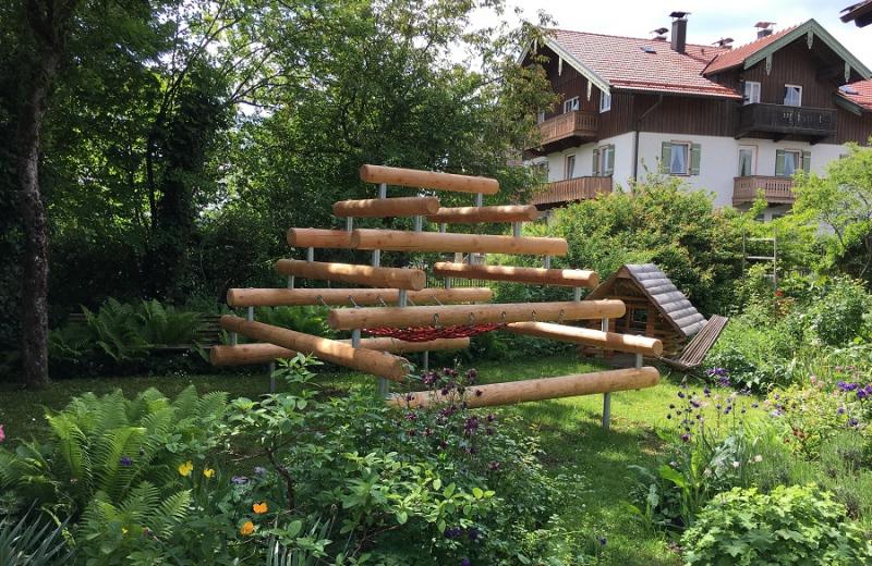 Richter_Spielgeraete_grosse_Kletterpyramide