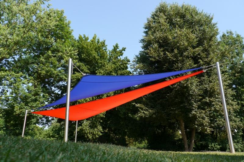 Sonnensegel-von-Caravita-All-Season-rot-blau-03